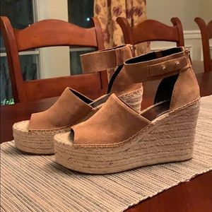 NWT Dolce Vita Wedges in 9.5
